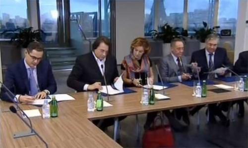 Четырнадцать ведущих российских телеканалов решили объединиться в целях поощрения самых ярких каналов