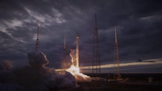 Ракета Falcon 9 запустила 2 телекоммуникационных спутника в космос