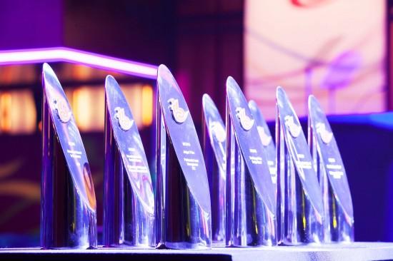 Неземные награды IBC 2016